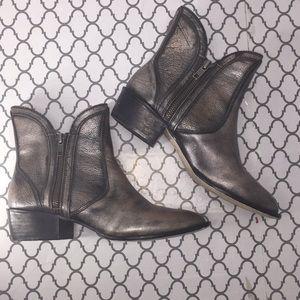 Moffit metallic bronze short half zipper boots